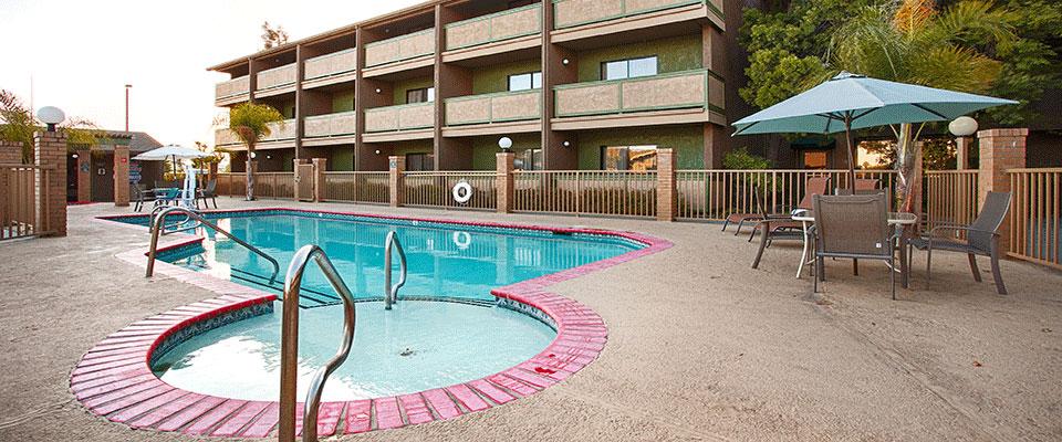 Best-Western-Pool.jpg