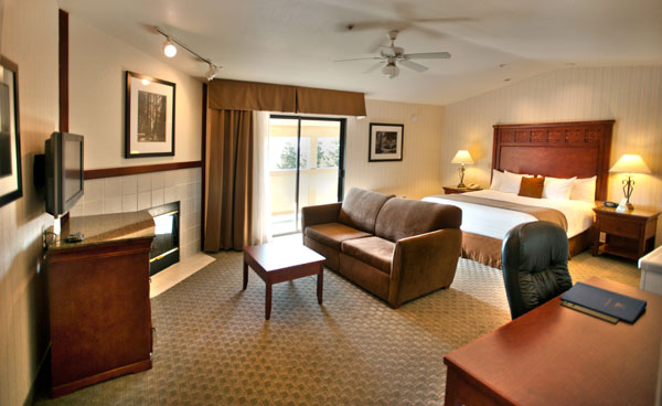1 king bed Gilroy hotel bridal suite