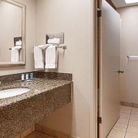 Best-Western-Gilroy-Hotel-Bathroom.jpg