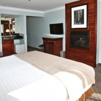 gilroy-hotel-king-whirlpool-fireplace