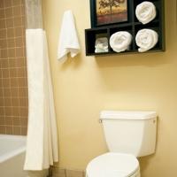 gilroy-hotel-nice-bathroom