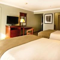 gilroy-hotel-queen-room-suite