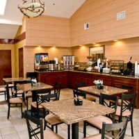 gilroy-hotel-with-hot-breakfast