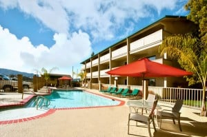 gilroy-hotel-with-pool-and-spa