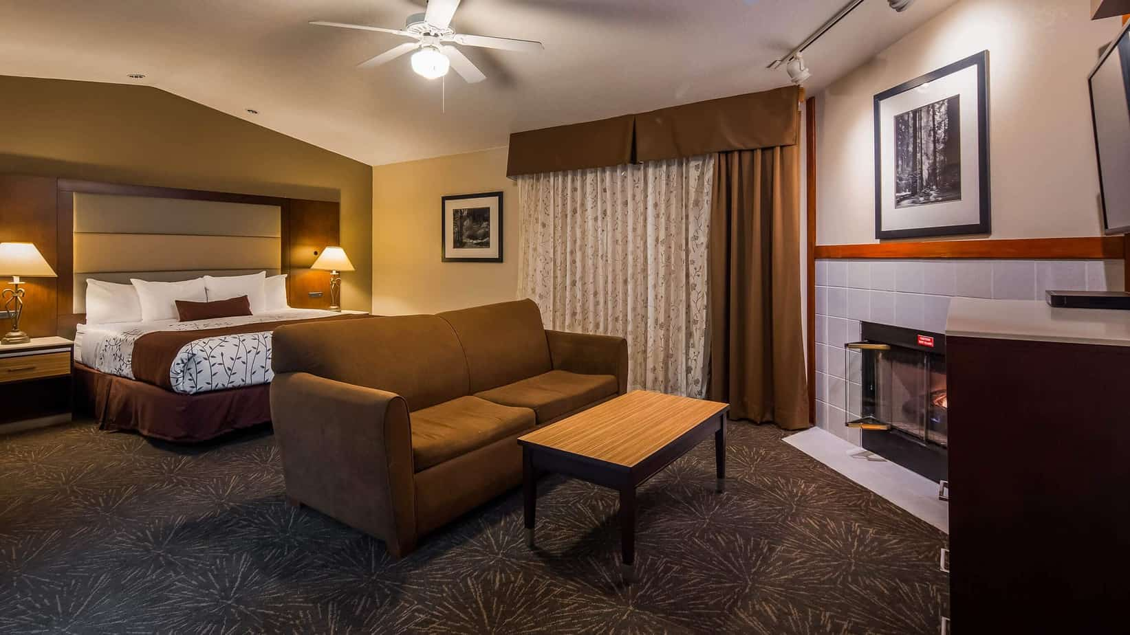 Gilroy California Executive Hotel Suite